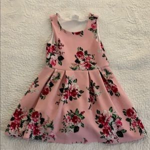 Other - Girls floral dress